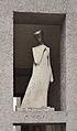 Anton-Schmid-Hof, Weibliche Figur, sculpture by Erwin Hauer.jpg