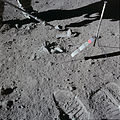 Apollo 15 The Genesis pedestal broken.jpg