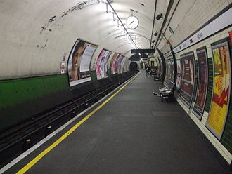 Archway tube station - Northbound platform looking north. The small width of the platform together with the southbound one reflect the station's former role as a terminus.