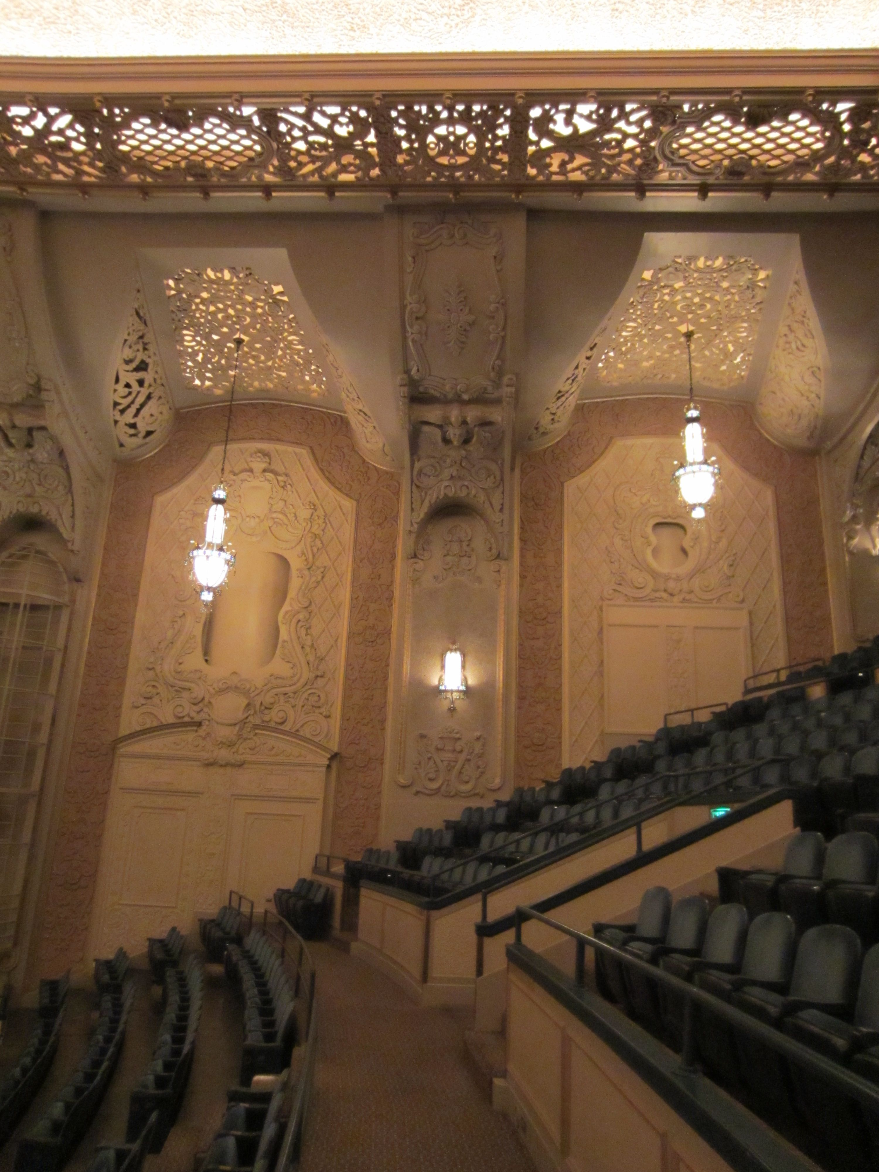 FileArlene Schnitzer Concert Hall SeatsJPG Wikimedia Commons - Schnitzer concert hall seating