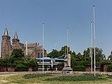 Arnhem-centrum, het Airborne-monument op het Airborneplein foto5 2015-07-02 12.16.jpg