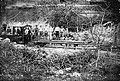 Artikutzako etxaldearen barnean obiliko zen lokomotora langilekin (Pedro Amuchastegi funtsa).jpg