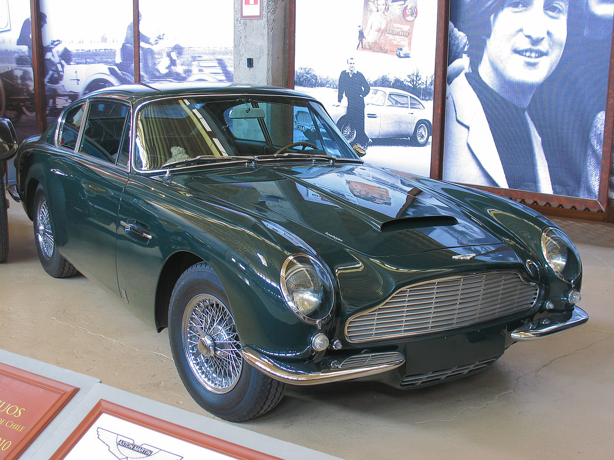 Aston Martin DB 6 Vantage Superleggera 1967 (15549934567).jpg