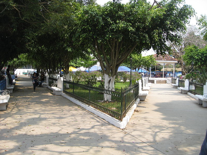 File:Ataco Main PLaza.jpg