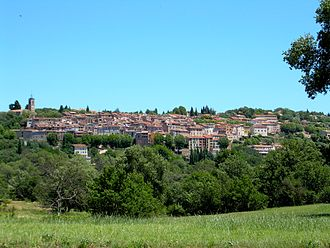 Bagnols-en-Forêt - A general view of the village
