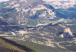 Sulphur Mountain (Alberta) - Banff and Tunnel Mountain seen from Sulphur Mountain (Sanson's Peak)