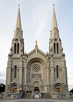 Basilica of Sainte-Anne-de-Beaupre.jpg