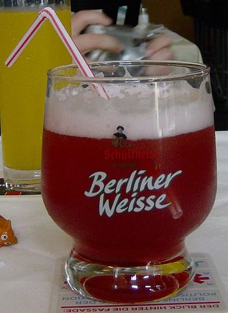 Berliner Weisse - A glass of Berliner Weisse flavoured with raspberry syrup