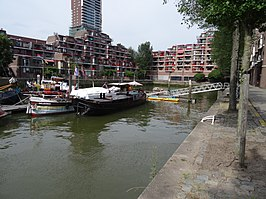 Bierhaven - Stadsdriehoek - Rotterdam - View of the port from the Jufferkade towards the northeast.jpg