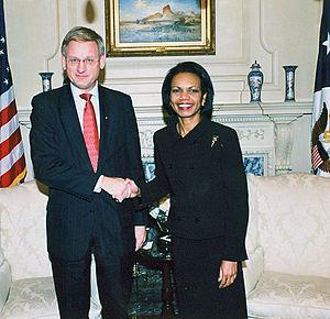 Carl Bildt - Bildt with U.S. Secretary of State Condoleezza Rice in Washington, D.C. on 24 October 2006.