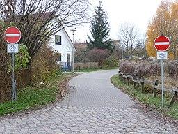 Blick in die Osdorfer Straße (in Höhe Einmündung Siedlerrain) in Richtung REHA- und Diakogelände - panoramio