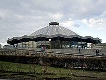 Он был построен по проекту группы архитекторов и инженеров под руководством Белопольского.  Зрительный зал цирка...
