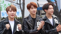 BooSeokSoon going to a Music Bank recording in March 2018 01.png