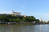 Bratislava Castle and Cathedral 02.jpg