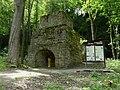 Brausenstein - Blick auf den historischen Hochofen - geo-en.hlipp.de - 12659.jpg