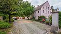 Brockwitz Dresdner Straße 179 Wohnstallhaus und Torpfeiler der Hofzufahrt eines Dreiseithofes II.jpg