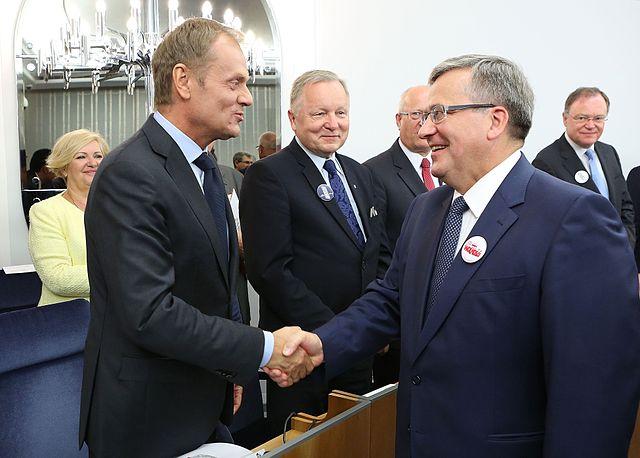 Премьер Дональд Туск и президент Бронислав Коморовски на заседании Сената