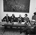 Bundesarchiv B 145 Bild-F025081-0006, Bonn, Parlamentarier aus Kolumbien im Bundestag.jpg