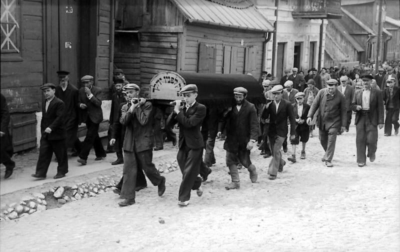 Bundesarchiv Bild 101I-121-0005-06, Polen, Juden beim Sargtragen