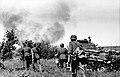 Bundesarchiv Bild 101I-209-0090-28, Russland-Nord, Infanterie und Panzer 35t.jpg