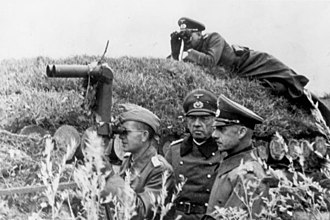 Wilhelm Ritter von Leeb - Leeb and Georg von Küchler at an observation post, 11 October 1941