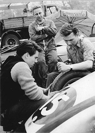 Kurt Ahrens Jr. - Kurt Ahrens Jr. (center) in 1961.