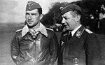 Bundesarchiv Bild 183-L14164, Werner Mölders mit Arthur Laumann.jpg