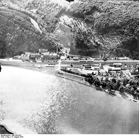 Datei:Bundesarchiv Bild 195-0331, Rheinbefliegung, Kapellen-Stolzenfels - Koblenz-Oberwerth.jpg