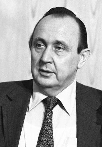 1979 European Parliament election in West Germany - Image: Bundesarchiv FDP Bundesparteitag, Genscher
