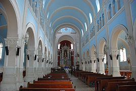Cáqueza - church - interior.jpg