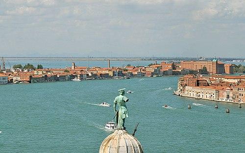 Canal de la Giudecca (Venise) (1774731845).jpg