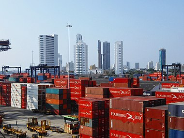 Port of Cartagena. Cartagena2011-Skyline-Habour.jpg