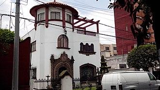 San Pedro de los Pinos - Californian style house in San Pedro de los Pinos