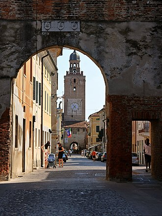 Castelfranco Veneto - The western gate of the old historical centre.