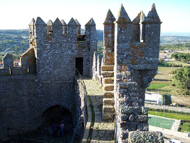 Imagem:Castelo de Penedono 7.jpg