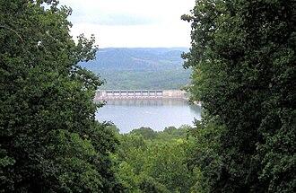 Edgar Evins State Park - Image: Center hill dam ee tn 1