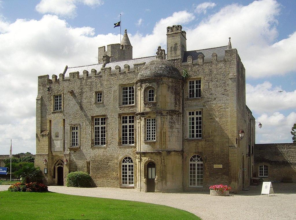 Chateau de creully 2.JPG