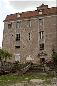Chateau de larnagol.jpg
