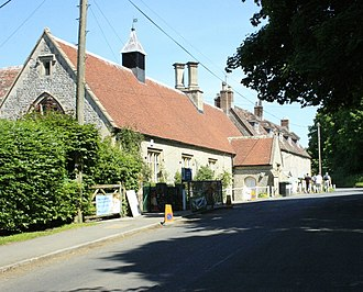 Horningsham - Image: Church Street Horningsham geograph.org.uk 1371586