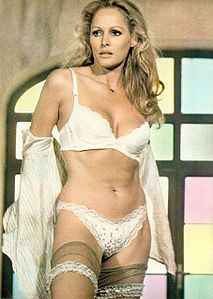 Colpo in canna (1975) - Ursula Andress.jpg