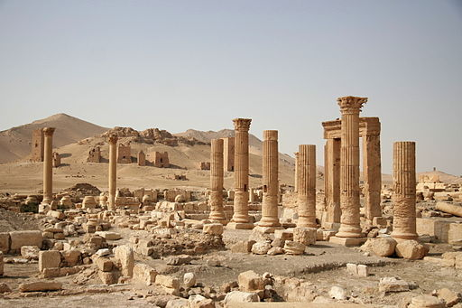 Columns and tombs in Palmyra