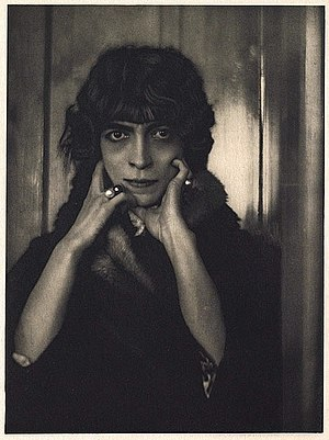 Luisa Casati - Portrait of Marchesa Luisa Casati by Adolf de Meyer