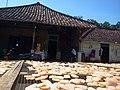 Deretan Jemuran Kemplang di Kampung Cina, Belinyu, Bangka Belitung - panoramio.jpg