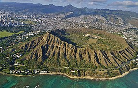 Diamond Head East View ^ Eric Tessmer Hawaii - panoramio.jpg