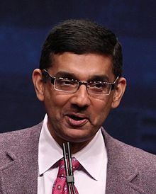 Dinesh DSouza speaking at CPAC 2012 cropped.jpg