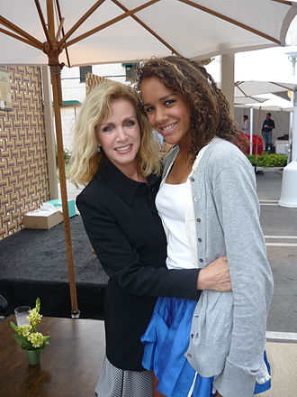 Donna Mills - Donna Mills with daughter Chloe in 2009