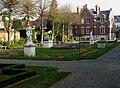 Doullens jardin du Musée Lombart 01b.jpg