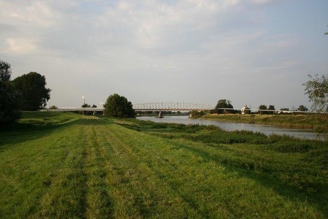 Dunham bridges from the Trent bank - geograph.org.uk - 237951