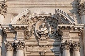 Duomo nuovo di Brescia ingresso.jpg