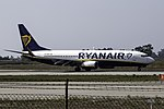 EI-EBM 737 Ryanair OPO.jpg